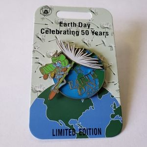 Disney Flik Pin - A Bug's Life -Earth Day 2020 LE